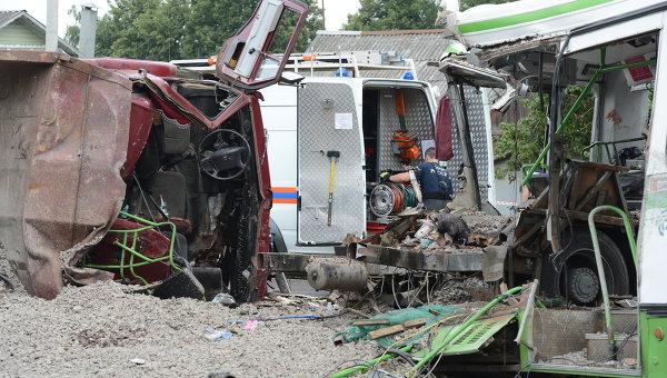 ДТП под подольском Камаз врезался в Автобус